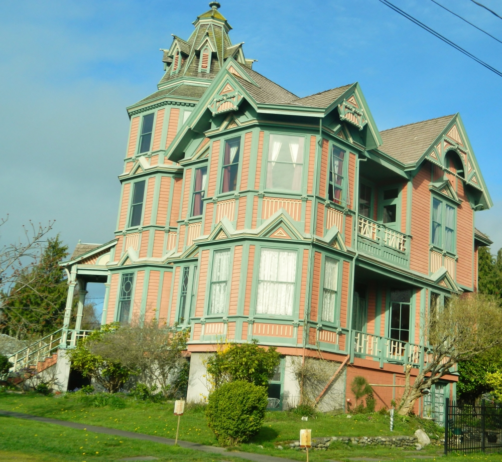 There are lots of gorgeous Victorian homes around town that were built in the late 1800s and are remarkably preserved today.