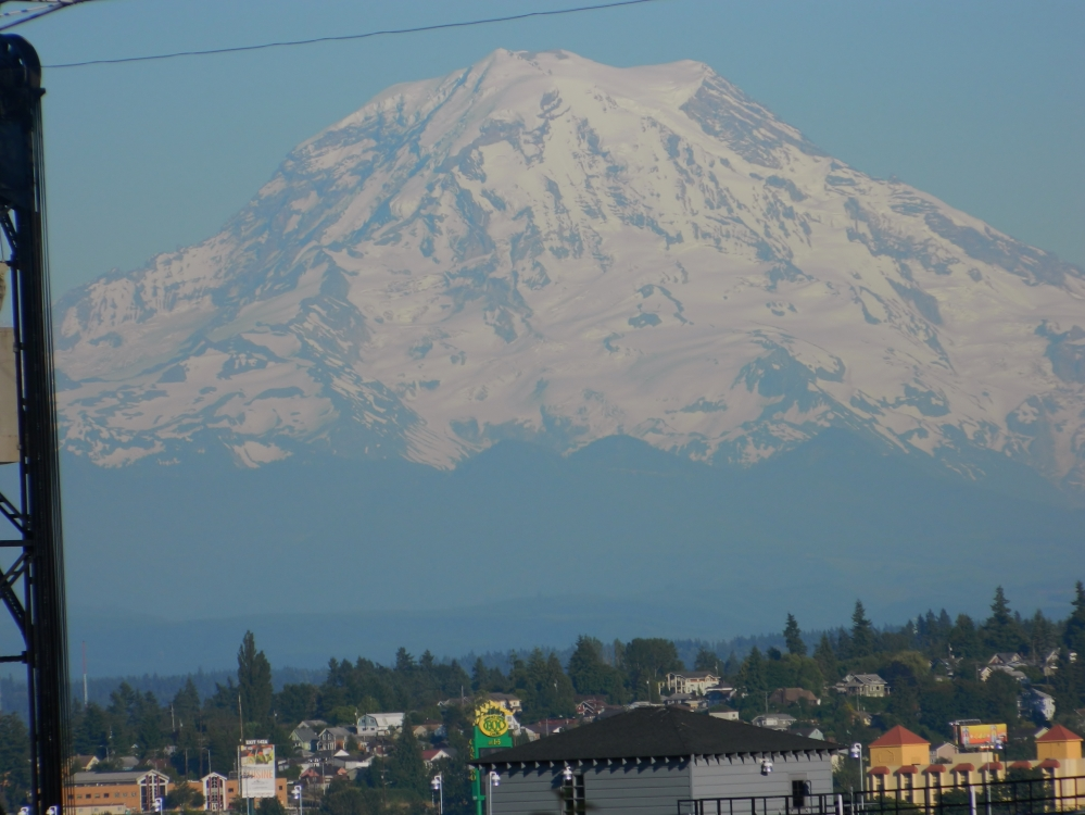 Mount Rainier floating above Tacoma. This was shot from Fireman's Park in downtown Tacoma. (Photo by Craig Craker)