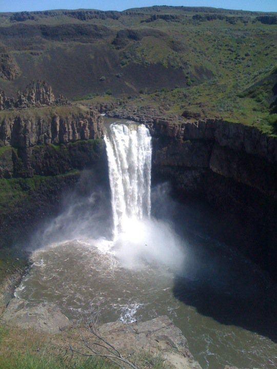 This is my favorite photo we have of Palouse Falls. I no longer have the original, just this small version from Facebook, but the waterfall was running hot on this day ... much wider at the top than our other photos.