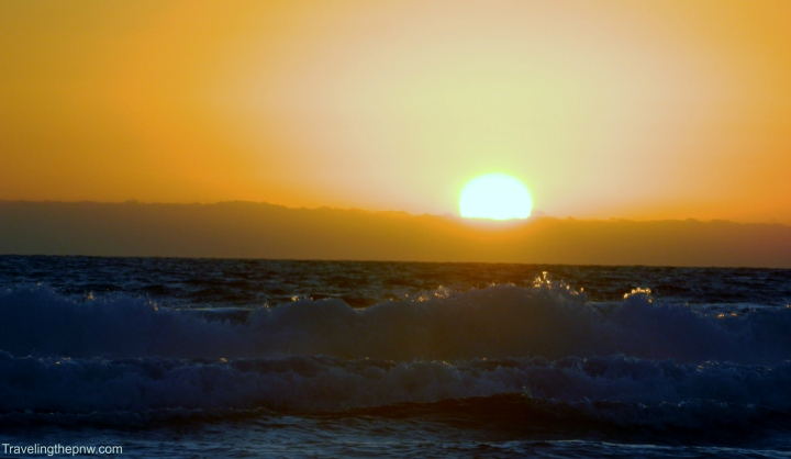 After not taking my time shooting the sunset at Hermosa Beach, I took my time at Venice Beach and got lucky when I captured the sun shining on the top of the wave.