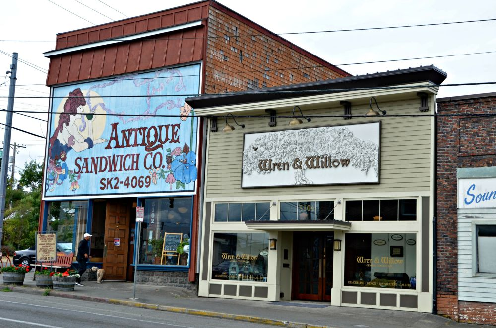 The Antique Sandwich Company is one of our favorite restaurants in Tacoma. It is located near the entrance to Point Defiance Park.