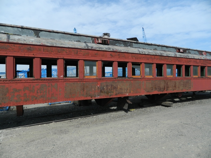 An abandoned train car near Pasco.