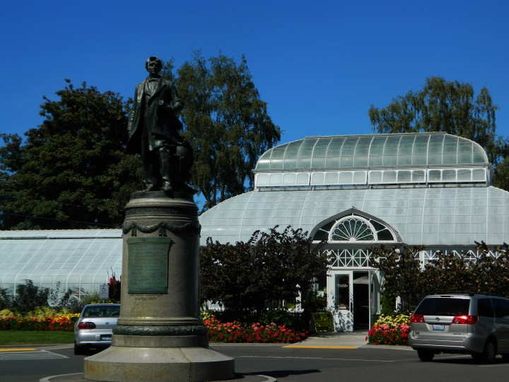 The Volunteer Park Conservatory only costs $4 and features a Corpse Flower. It is a must visit.